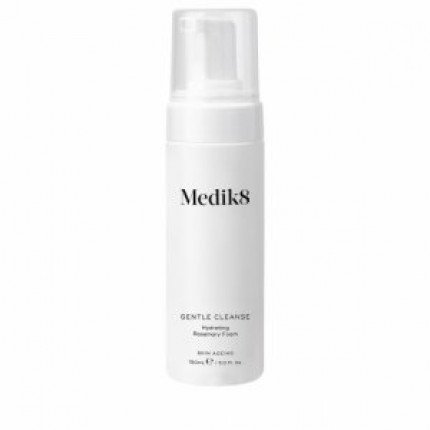 Очищающая пенка для всех типов кожи Medik8 Gentle Cleanse Hydrating Rosemary Foam