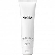 Гель для очищения жирной кожи с AHA кислотами Medik8 Surface Radiance Cleanse